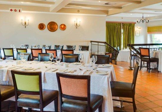 Magaliesburg, Sudáfrica: Twist Restaurant Seating Area