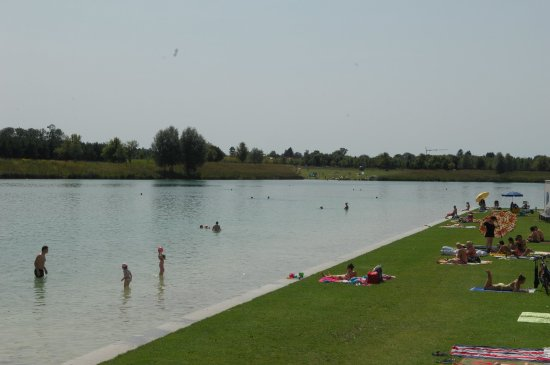 Landhotel Martinshof: Lake Riem