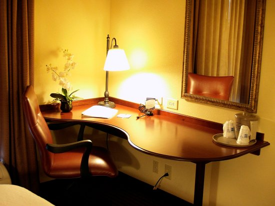 Hampton Inn & Suites - Opelika: Double Queen Desk