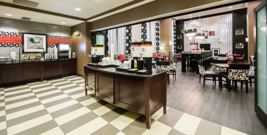Hampton Inn & Suites Orlando - John Young Pkwy / S Park : Breakfast Area, Overview