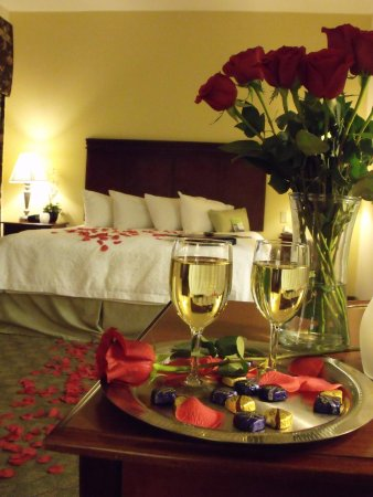 Hampton Inn & Suites Lubbock Southwest: Romance Package