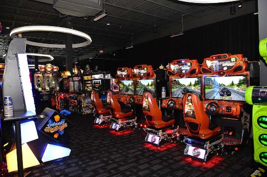 Manchester, CT: Dave & Buster's