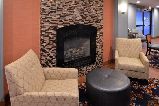 Utica, NY: Fireplace Seating