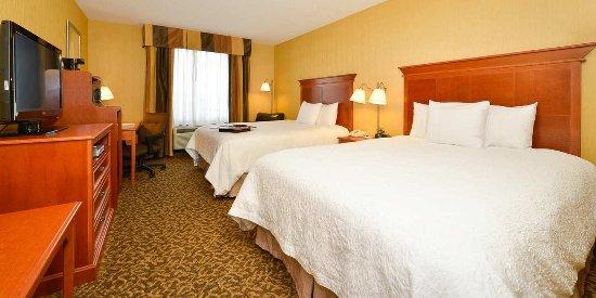 Utica, Νέα Υόρκη: Queen Bedroom
