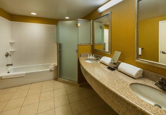 Carson City, نيفادا: Presidential Suite - Master Bathroom