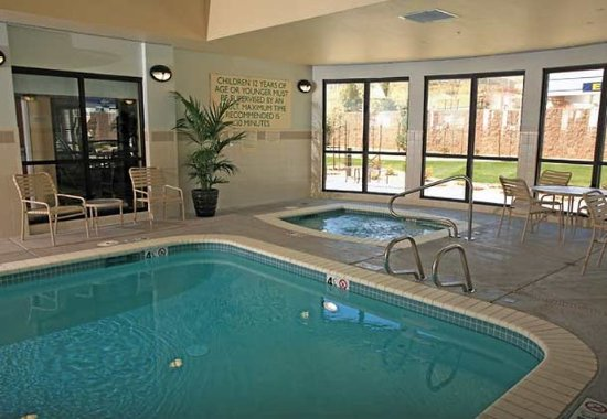 Carson City, NV: Indoor Pool & Whirlpool