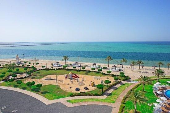 Mirfa, Birleşik Arap Emirlikleri: Beach