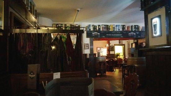 Dubliner Irish Pub: 20160919_201846_large.jpg