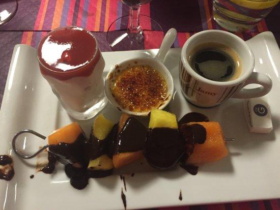 Lure, فرنسا: Un délice de la salade au dessert👍