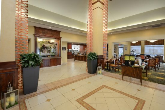 Hilton Garden Inn Raleigh Triangle Town Center: Lobby