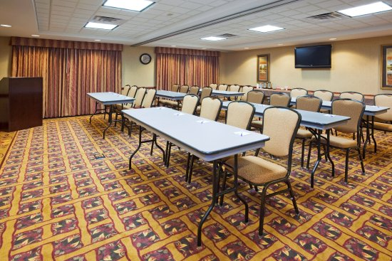 Holiday Inn Express Hotel Amp Suites Mitchell Updated 2017