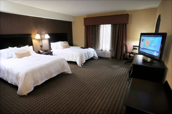 Glen Mills, PA: Accessible Double Queen Room