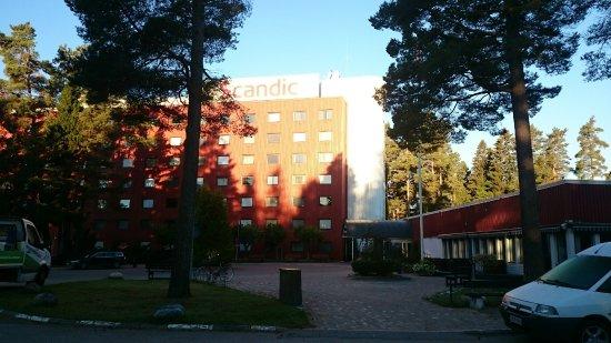 Gävle, Zweden: Fasaden i mycket starkt solsken, därav den dåliga kvalitén