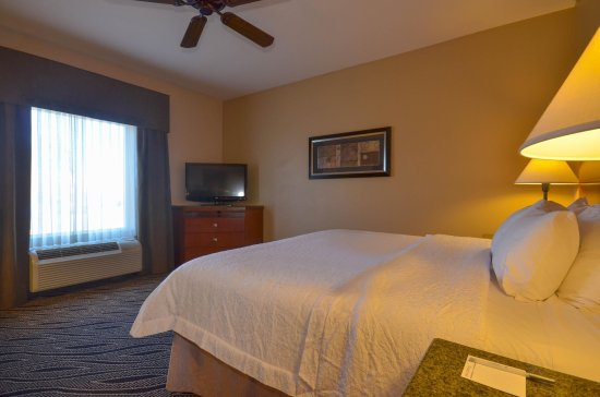 Bryant, AR: King Guest Bedroom
