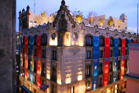 Hampton Inn & Suites Mexico City - Centro Historico: Hotel Exterior