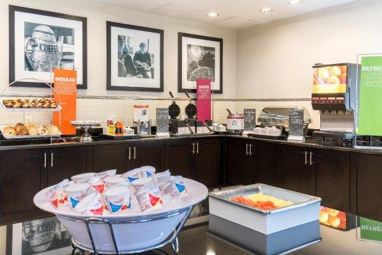Poway, Καλιφόρνια: Hot Breakfast Buffet