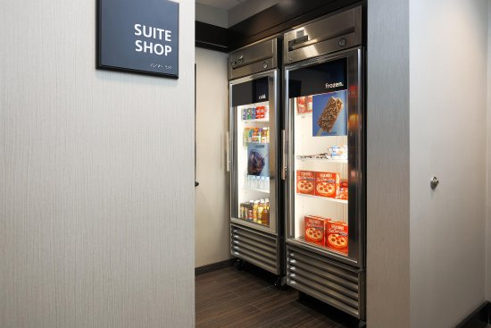 Hampton Inn & Suites San Diego-Poway: Hotel Suite Shop