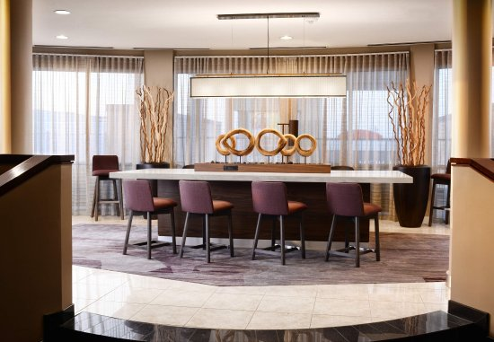 Pearland, TX: Communal Table