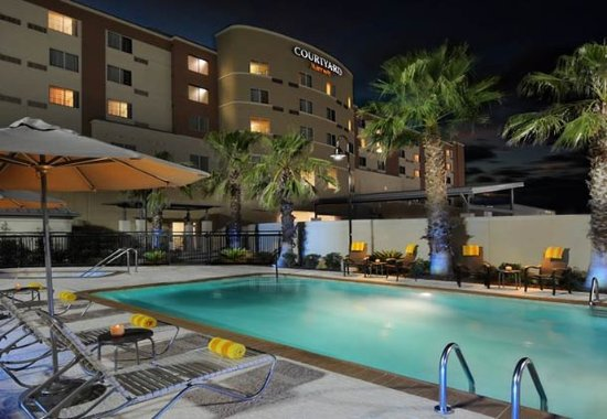 Pearland, TX: Outdoor Pool
