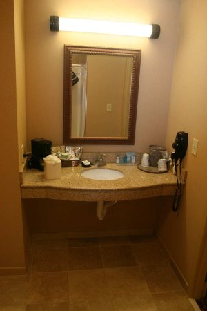 Greensburg, IN: Accessible Room Vanity