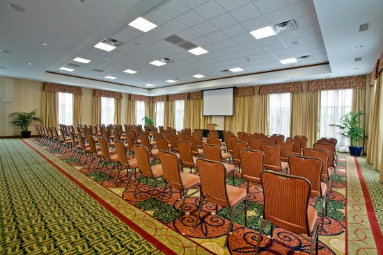 Lake Forest, IL: Savannah Ballroom