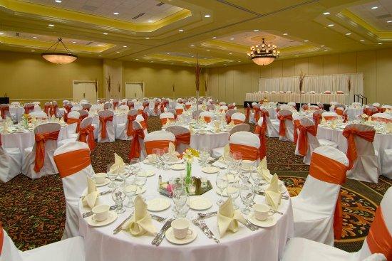 O'Fallon, IL: Ballroom