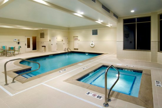 Hilton Garden Inn Cleveland East / Mayfield Village: Indoor Heated Pool