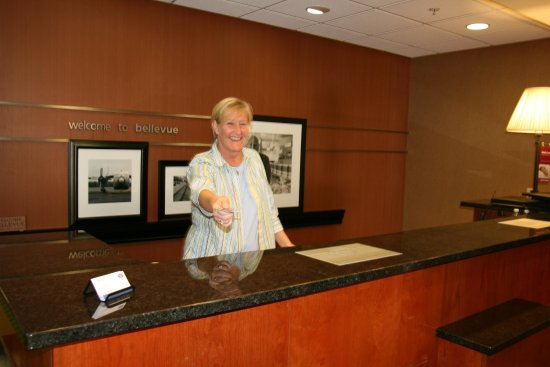 Bellevue, NE: Front Desk