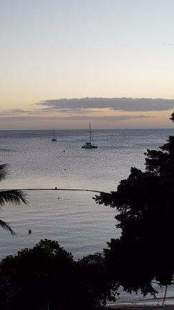 Hotel Beaurivage: Looking out onto Citron Bay