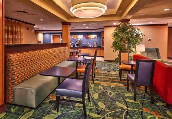 Laramie, WY: Breakfast Dining Area