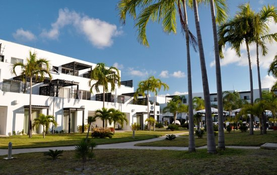 Las Terrazas Resort: Exterior View of Resort, Sunset and Penthouses