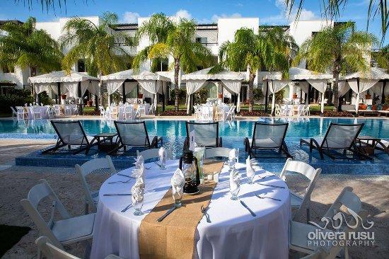Las Terrazas Resort: Poolside Wedding Reception