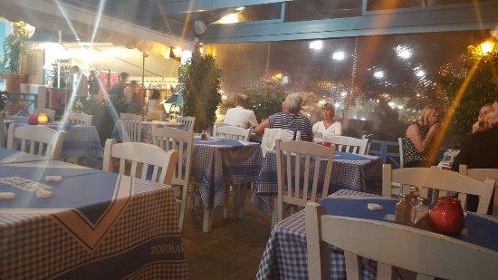 Zorbas Taverna : 20160922_212933_large.jpg