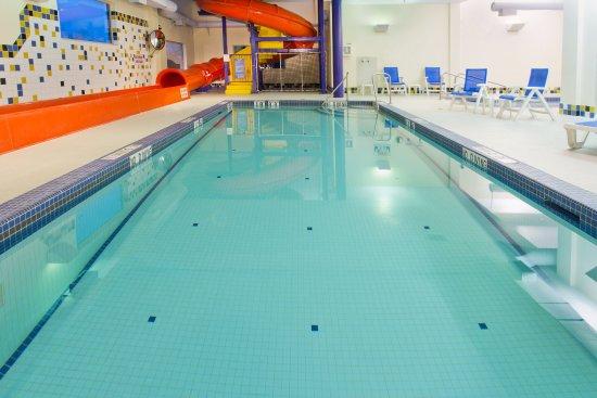 กูร์เตอเนย์, แคนาดา: Swimming Pool