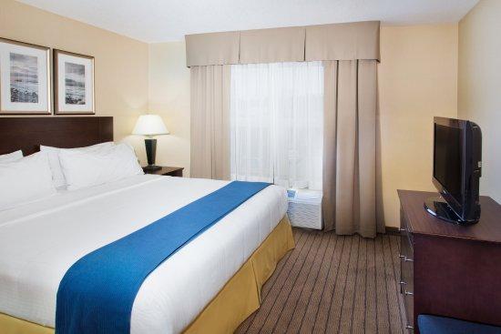 Courtenay, Canadá: King Executive Suite Bedroom