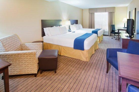 Courtenay, Kanada: Two Queen Guest Room