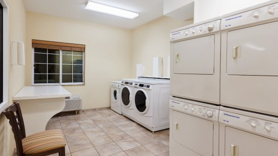 West Reading, PA: Complimentary Guest Washers and Dryers