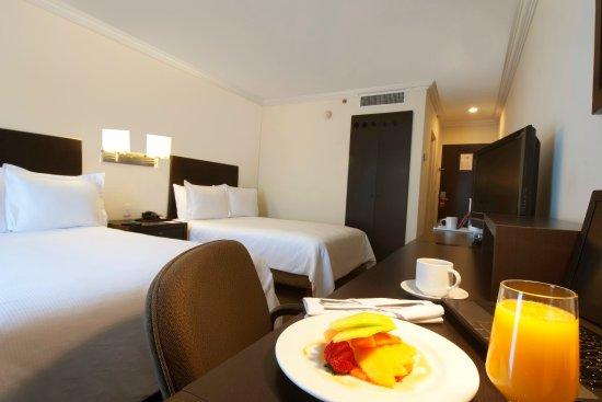 Fiesta Inn Cuernavaca: Superior Room, 2 double