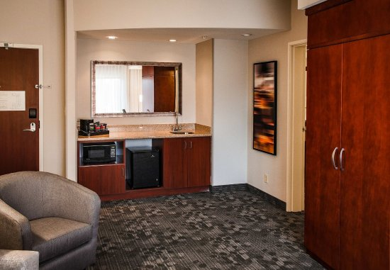 Norman, OK: Suite Amenities