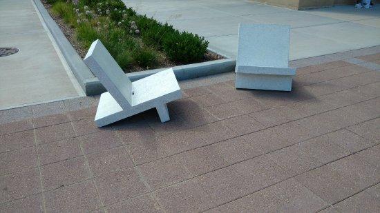 Aurora, IL: unas comodas sillas para descansar.