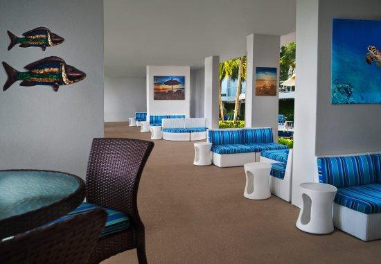 Marriott's Crystal Shores: Breezeway