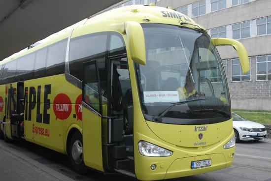 Autokar Simple Express Scania Irizar I6 Po Skończonym Nocnym Kursie