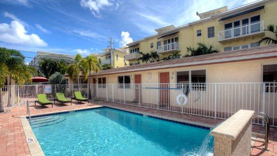 Lauderdale Villas - Suites by the Sea