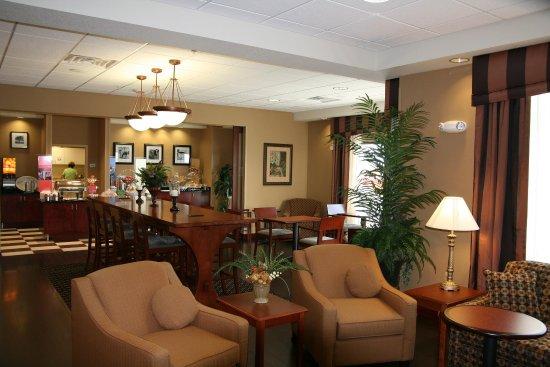 Elkhorn, Висконсин: Lobby/Breakfast Area