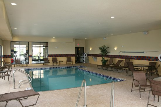 Elkhorn, WI: Pool Area