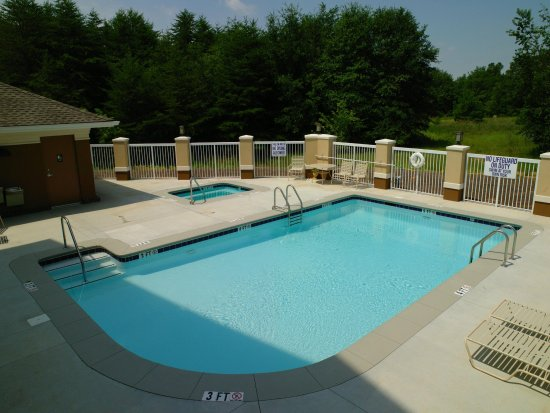 Aiken, SC: Outdoor Pool