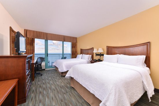 Hampton Inn Virginia Beach-Oceanfront South: Two Queen Room