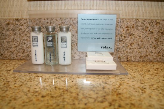 Hampton Inn North Brunswick/New Brunswick: In Room Amenities