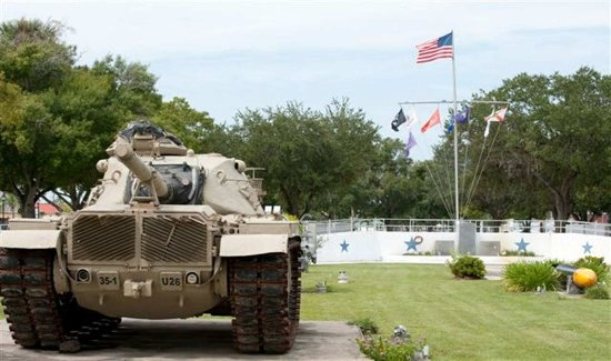Okeechobee, FL: A Variety of Views