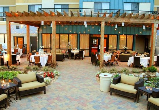 Courtyard Statesville Mooresville/Lake Norman: Outdoor Social Events